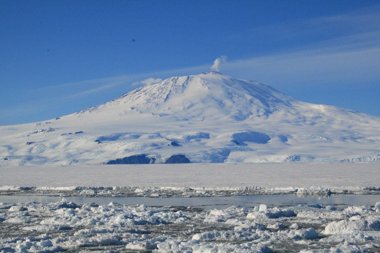Antartica-volcano